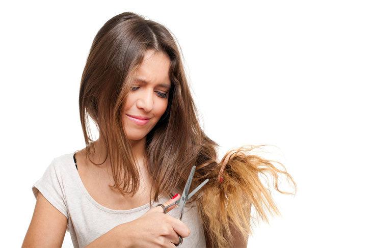 ماسك زيت الخروع وبياض البيض لعلاج أطراف الشعر التالف