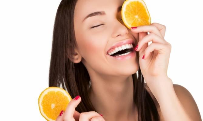 الموز وعصير البرتقال لمحاربة التجاعيد.. أفضل ماسك
