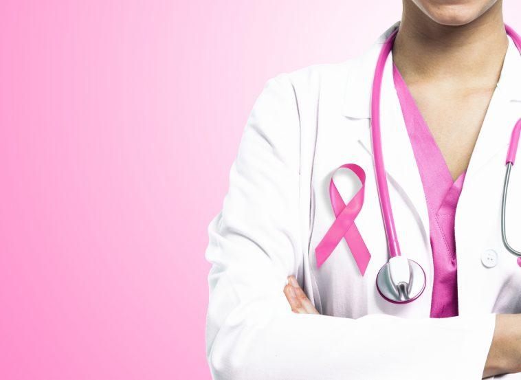 10 أسباب وراء الإصابة بسرطان الثدي