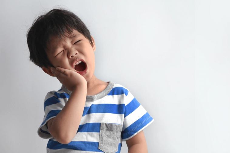 كيف تحافظين على أسنان طفلك من التسوس؟