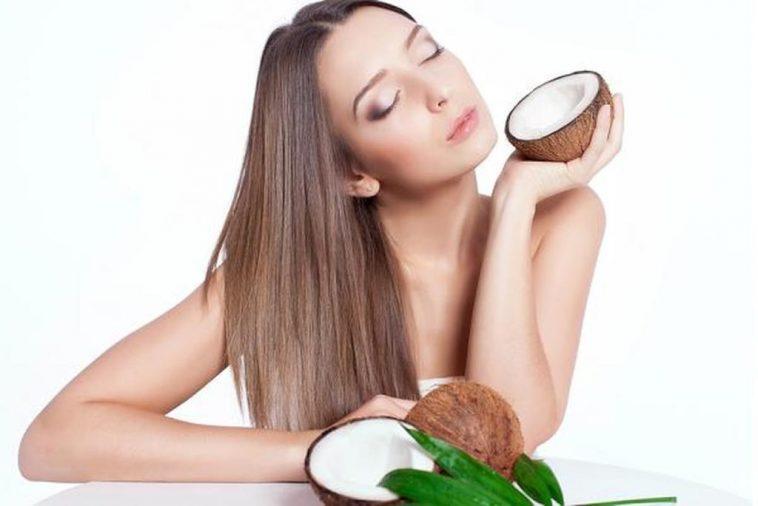 السكر وزيت جوز الهند للتخلص من قشرة الوجه