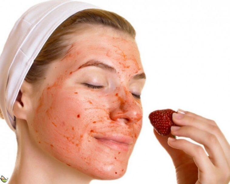 ماسك الفراولة والشوفان للحصول على بشرة دهنية نضرة