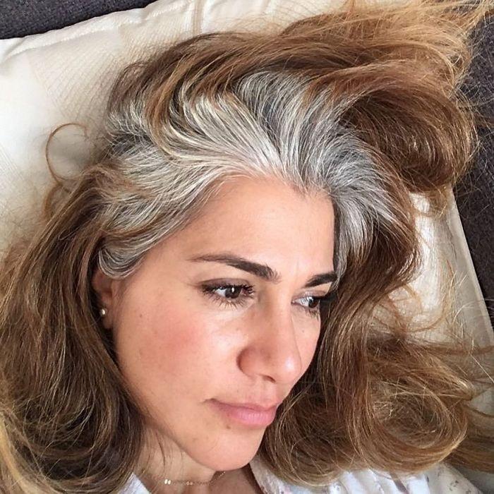 طريقة استخدام البصل لعلاج الشعر الأبيض